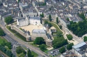 Nantes_aerien_chateau3